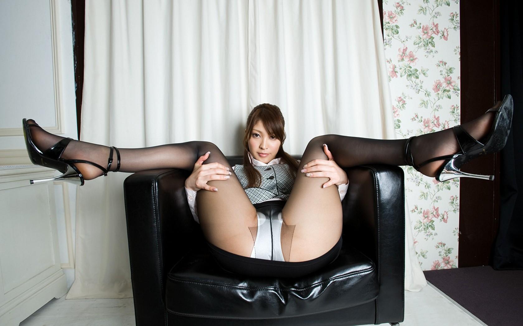 Фото между ног у азиаток фото 4 фотография