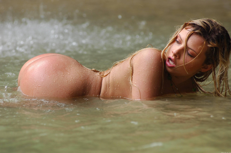 смотреть голых женщин: