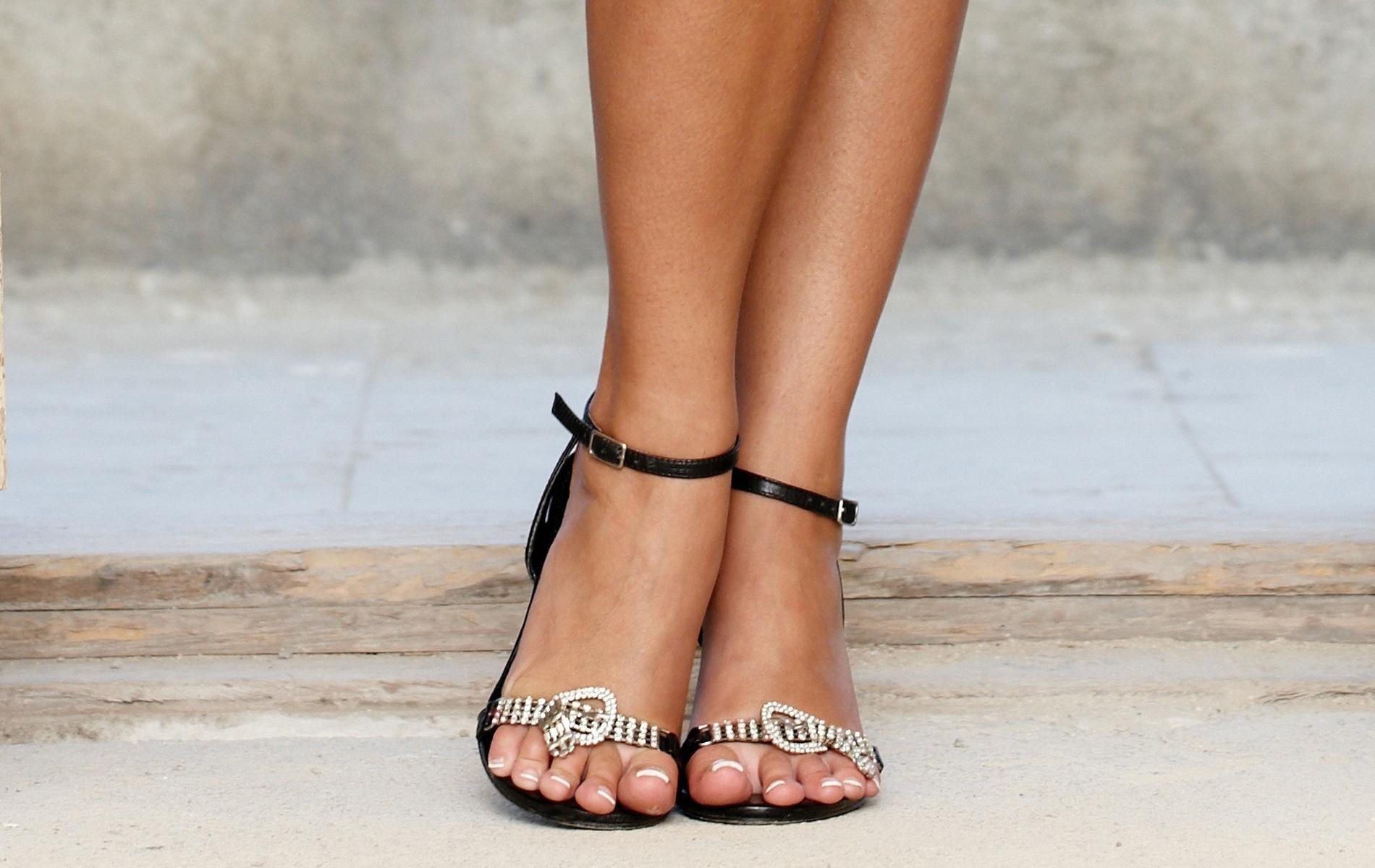 Широкие ноги фото бесплатно 3 фотография