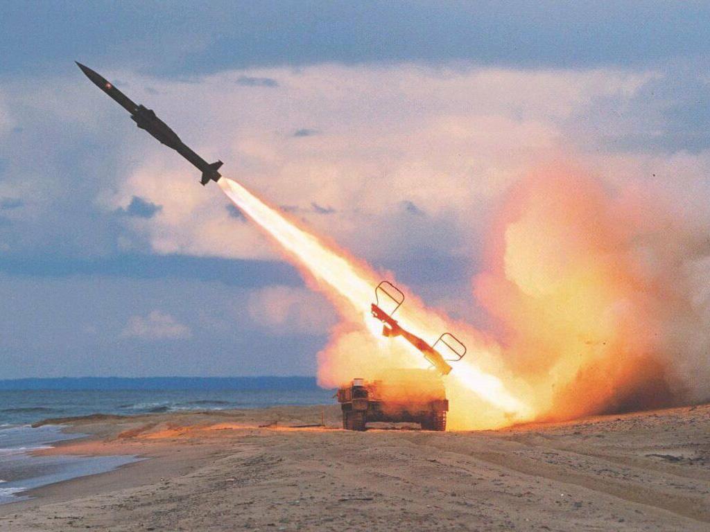 Боевая ракета обои фото запуск ракеты