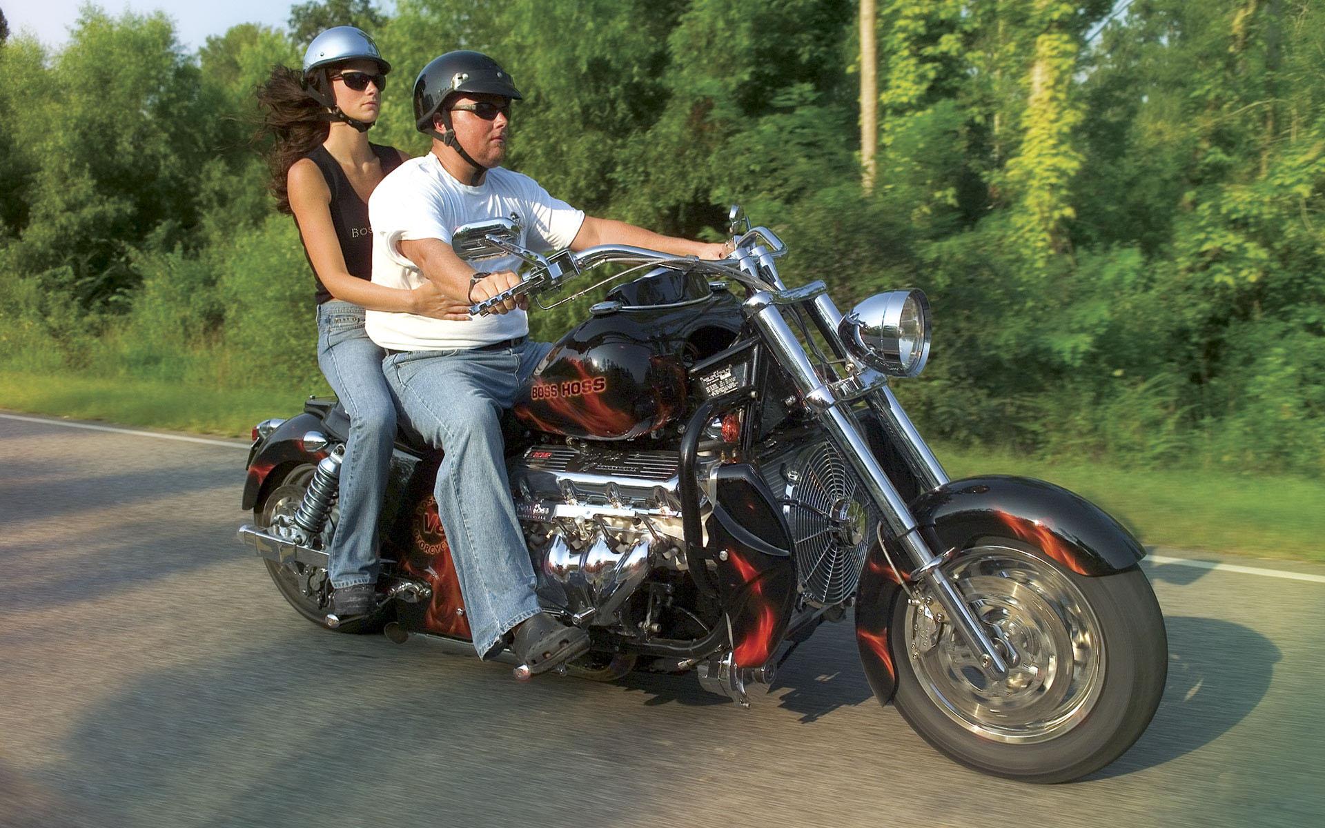 И девушка на мотоцикле обои фото