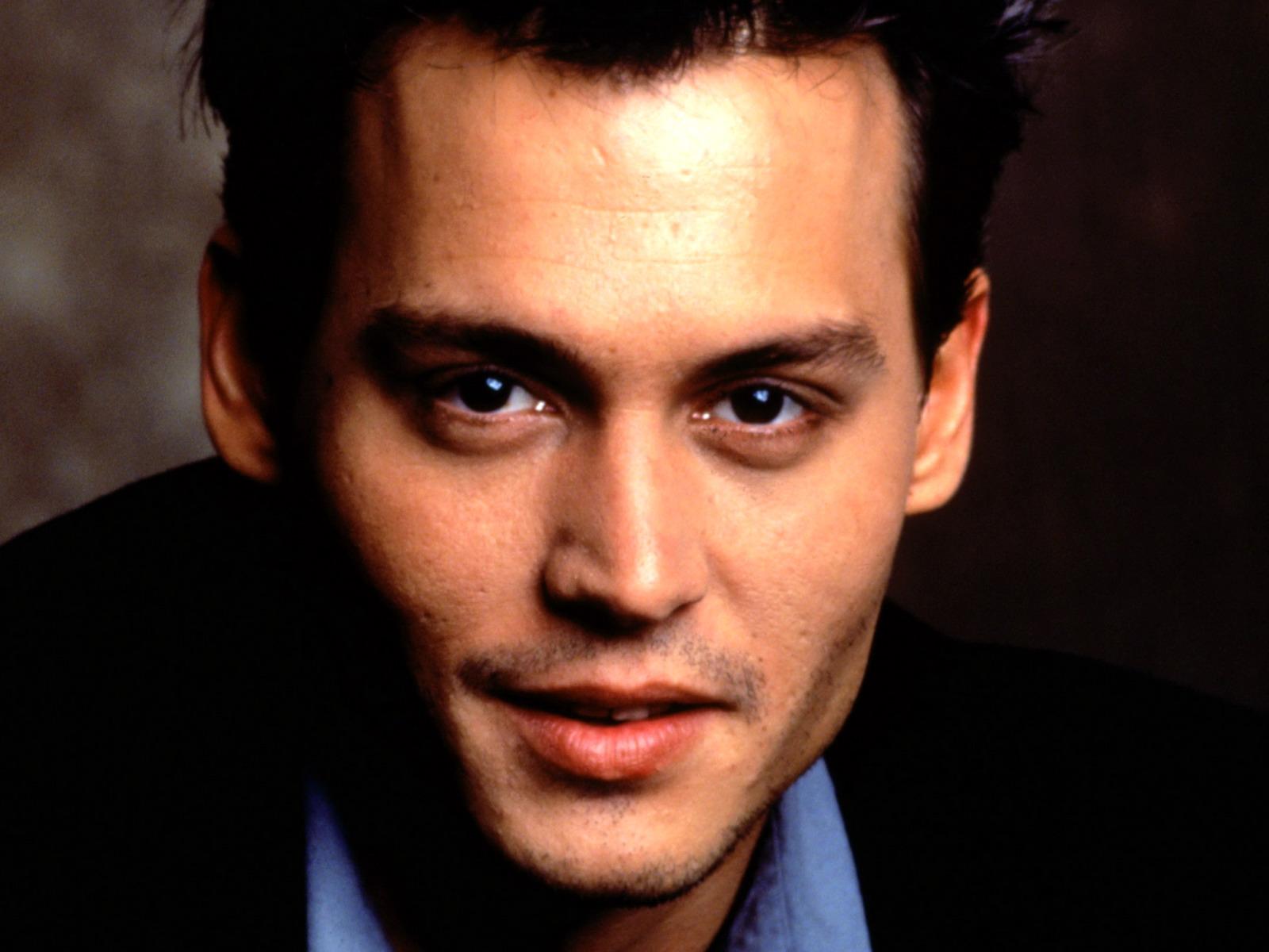 ... Depp, известный актер Джони Деп картинки: www.wallplanet.ru/photo/muzhchiny/dzhonni_depp/3-0-89